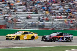 Ryan Newman, Roush Fenway Racing, Ford Mustang Oscar Mayer, Kevin Harvick, Stewart-Haas Racing, Ford Mustang Mobil 1 Summer Road Trip