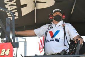 William Byron, Hendrick Motorsports, Chevrolet Camaro Valvoline Throwback crew chief Rudy Fugle