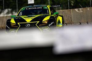 #12: Vasser Sullivan Lexus RC F GT3, GTD: Frankie Montecalvo, Townsend Bell