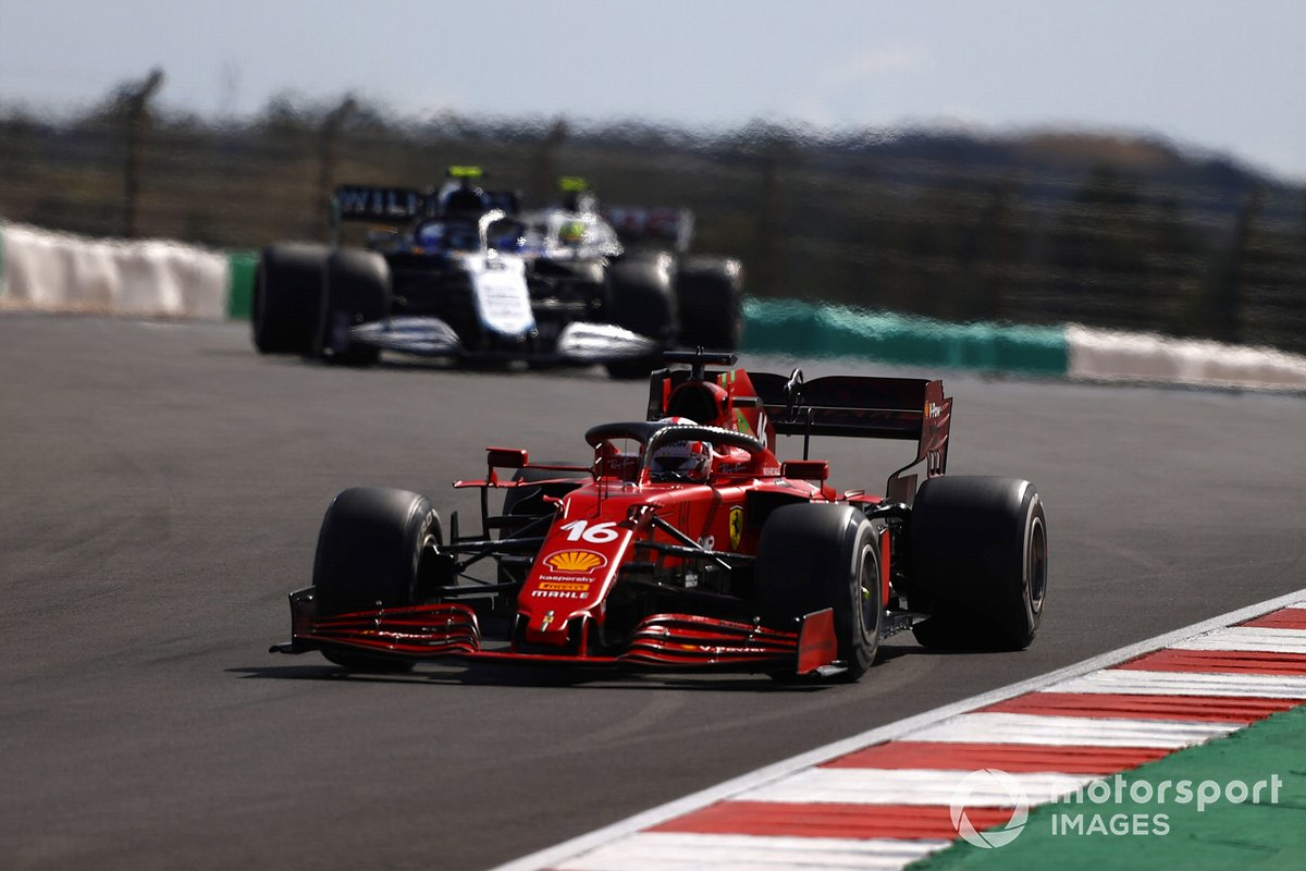 Charles Leclerc, Ferrari SF21, Nicholas Latifi, Williams FW43B