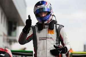 #30 Frikadelli Racing Team Porsche 911 GT3 R: Earl Bamber, Mathieu Jaminet