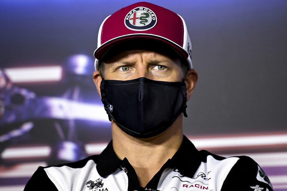 Kimi Raikkonen, Alfa Romeo Racing en la conferencia de prensa