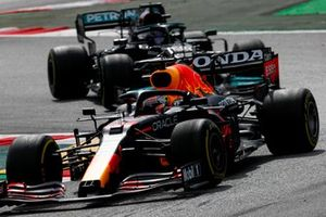 Max Verstappen, Red Bull Racing RB16B Lewis Hamilton, Mercedes W12