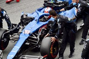 Esteban Ocon, Alpine A521, arrives on the grid