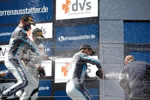 Podio: #77 Callaway Competition CorvetteC7 GT3-R: Jeffrey Schmidt, Marvin Kirchhöfer