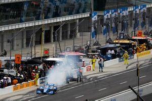 Ed Jones, Dale Coyne Racing avec Vasser Sullivan Honda, fait un arrêt au stand