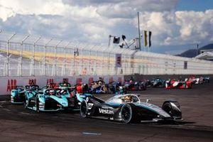 Stoffel Vandoorne, Mercedes Benz EQ, EQ Silver Arrow 02, Mitch Evans, Jaguar Racing, Jaguar I-TYPE 5, Sam Bird, Jaguar Racing, Jaguar I-TYPE 5