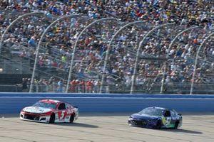 Kyle Larson, Hendrick Motorsports, Chevrolet Camaro Valvoline, J.J. Yeley, Petty Ware Racing, Chevrolet Camaro Nurtec ODT