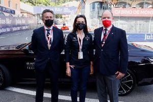 Alejandro Agag, presidente de Formula E, un miembro de DS Techeetah, y el príncipe Alberto de Mónaco