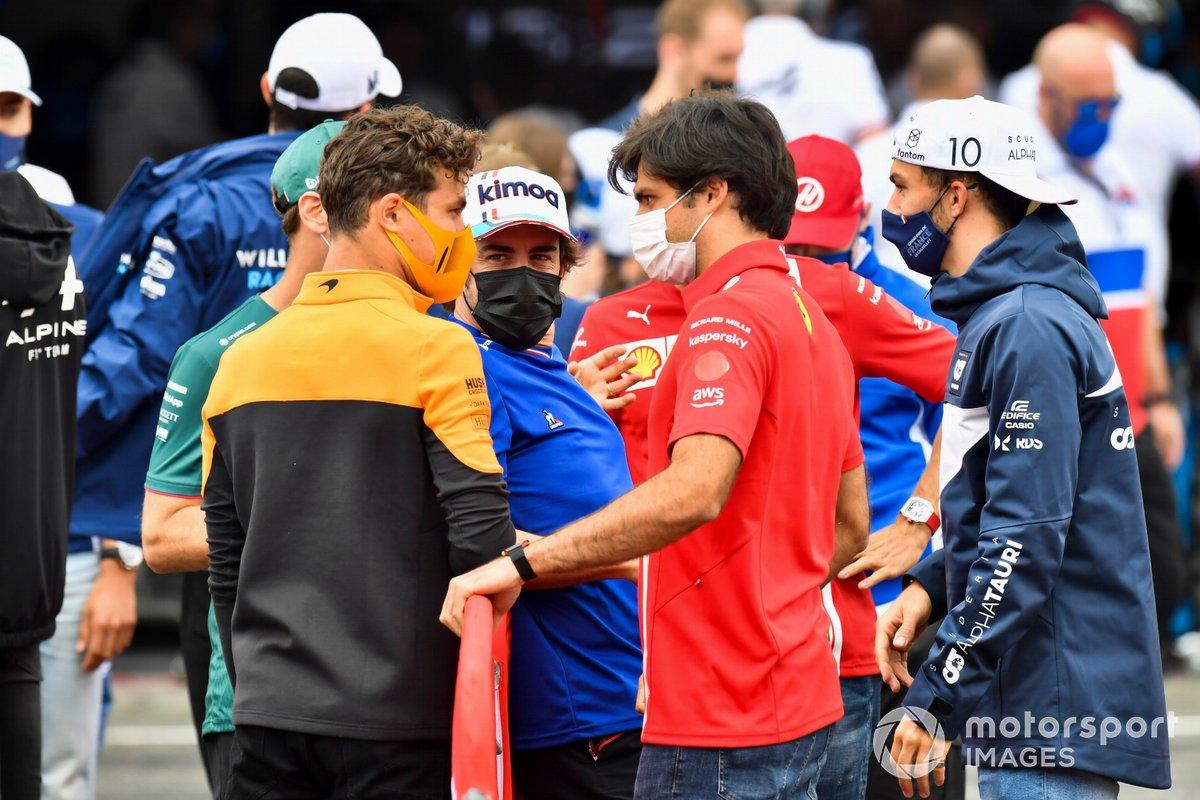 Lando Norris, McLaren, Fernando Alonso, Alpine F1, Carlos Sainz Jr., Ferrari, Pierre Gasly, AlphaTauri