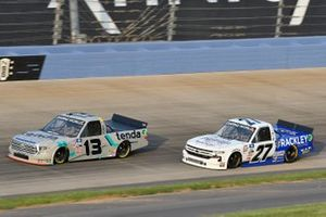 Johnny Sauter, ThorSport Racing, Toyota Tundra Tenda Equine & Pet Care Products, William Byron, Rackley W.A.R., Chevrolet Silverado Cruisin Sports/Rackley Roofing