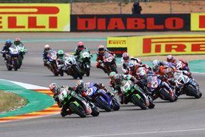 Jonathan Rea, Kawasaki Racing Team WorldSBK leads the start