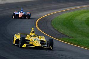 Simon Pagenaud, Team Penske Chevrolet, Scott Dixon, Chip Ganassi Racing Honda