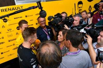 Nico Hulkenberg, Renault F1 Team, speaks to the media, including Natalie Pinkham