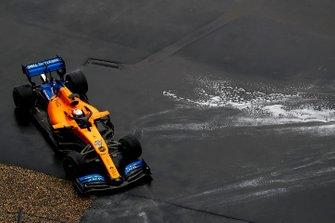 Вылет с трассы: Карлос Сайнс, McLaren MCL34