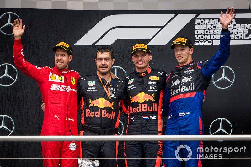 GP da Alemanha: Max Verstappen supera rivais na chuva