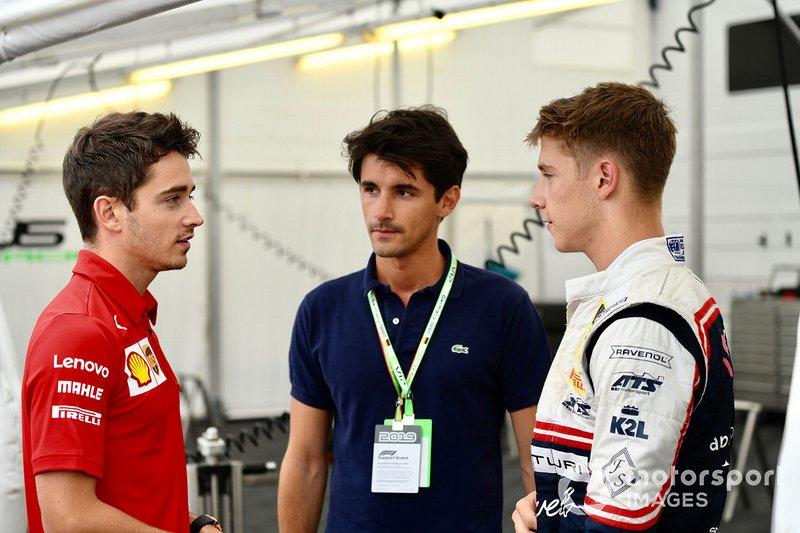 Charles Leclerc, Ferrari, Lorenzo Tolotta-Leclerc y el piloto de F4 Sauber Junior Team Arthur Leclerc