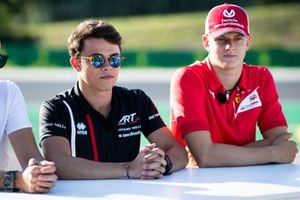 Nyck De Vries, ART Grand Prix e Mick Schumacher, Prema Racing