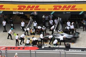 Valtteri Bottas, Mercedes AMG W10, makes a pit stop during practice