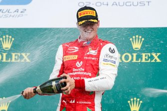 Podium: winnaar Mick Schumacher, Prema Racing
