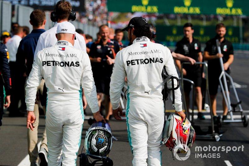 Valtteri Bottas, Mercedes AMG F1 e Lewis Hamilton, Mercedes AMG F1 al Parc Ferme