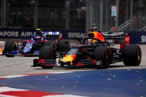 Max Verstappen, Red Bull Racing RB15 and Pierre Gasly, Toro Rosso STR14