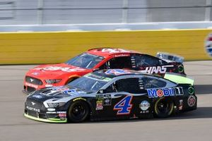 Kevin Harvick, Stewart-Haas Racing, Ford Mustang Mobil 1, Daniel Suarez, Stewart-Haas Racing, Ford Mustang Haas Automation