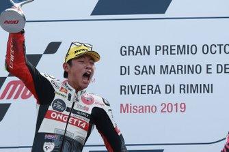 Podium : le vainqueur Tatsuki Suzuki, SIC58 Squadra Corse