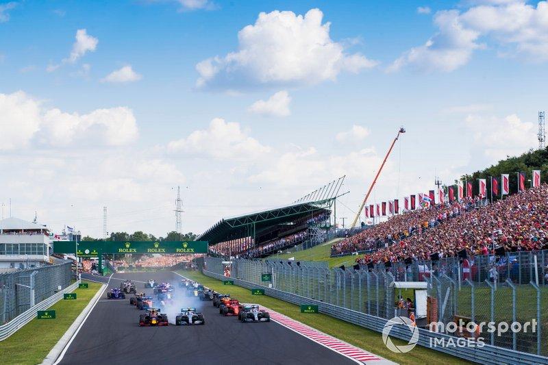 Max Verstappen, Red Bull Racing RB15, Valtteri Bottas, Mercedes AMG W10, Lewis Hamilton, Mercedes AMG F1 W10,