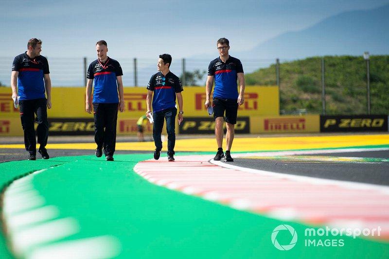 Naoki Yamamoto, Toro Rosso walks the track
