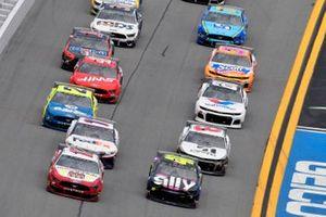 Ryan Blaney, Team Penske, Ford Mustang BodyArmor, Jimmie Johnson, Hendrick Motorsports, Chevrolet Camaro Ally