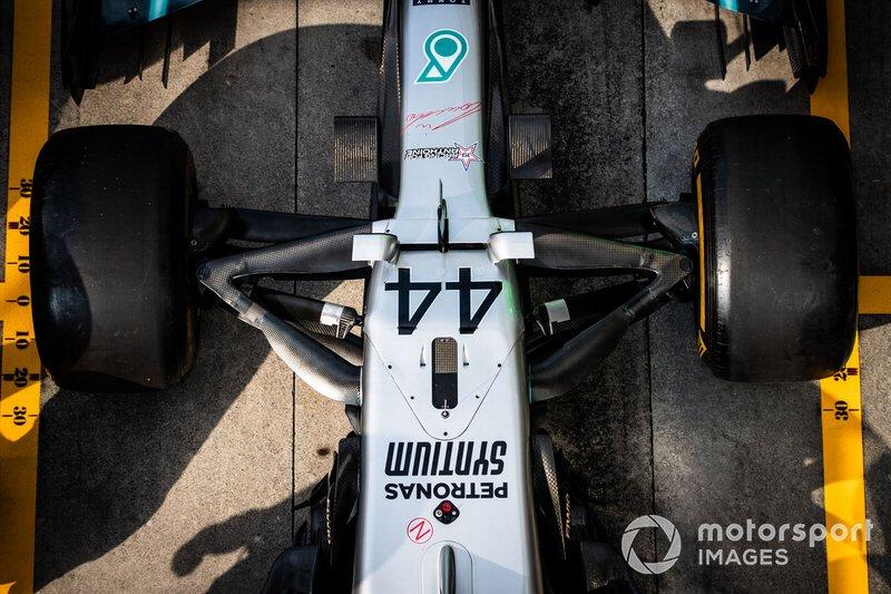 Mercedes W10: Vorderradaufhängung