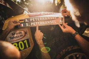 رقم 301 فريق أكس رايد ميني: ستيفان بيترانسيل وأندريا بيترانسيل