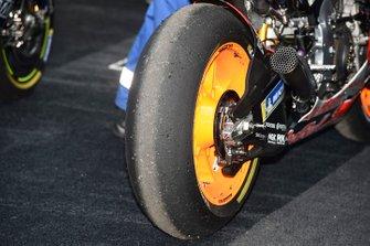 Marc Márquez, Repsol Honda Team, detalle del neumático