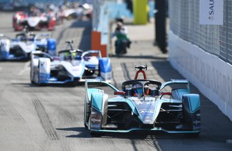 Mitch Evans, Panasonic Jaguar Racing, Jaguar I-Type 3leads Antonio Felix da Costa, BMW I Andretti Motorsports, BMW iFE.18