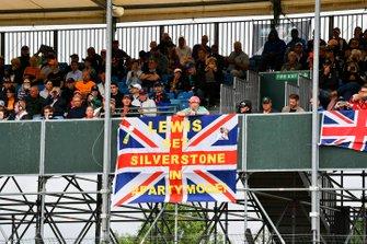 Banderole de soutien à Lewis Hamilton, Mercedes AMG F1