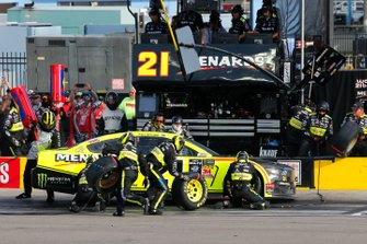 Paul Menard, Wood Brothers Racing, Ford Mustang Menards / Monster pit stop