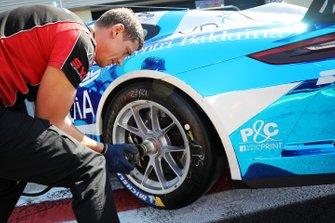 Dettaglio di uno pneumatico AB Racing