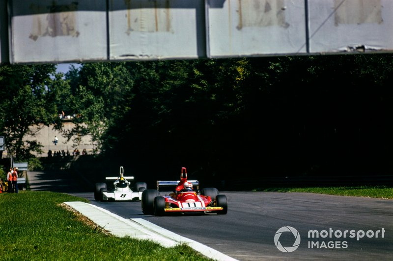 Clay Regazzoni, Ferrari 312B3, leads Carlos Pace, Brabham BT44 Ford