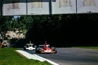 Clay Regazzoni, Ferrari 312B3, Carlos Pace, Brabham BT44 Ford