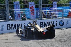 Andre Lotterer, DS TECHEETAH, DS E-Tense FE19, colpisce le barriere