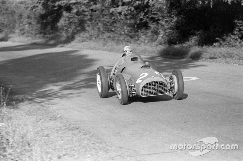 Alberto Ascari, Ferrari, logró su primera victoria en el GP de Alemania 1951...