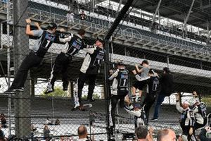 1. Kevin Harvick, Stewart-Haas Racing, Ford Mustang Mobil 1