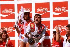 Победитель гонки Рене Арну, Renault