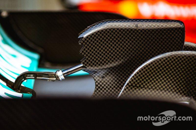 Привод DRS болида Mercedes