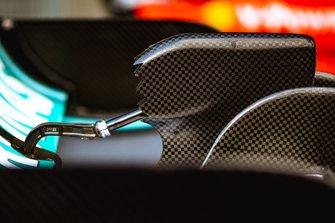 Mercedes AMG F1 W10 Ala trasera