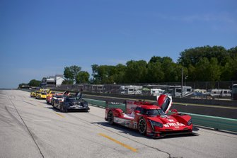 #31 Whelen Engineering Racing Cadillac DPi, DPi: Felipe Nasr, Pipo Derani, #5 Mustang Sampling Racing Cadillac DPi, DPi: Joao Barbosa, Filipe Albuquerque