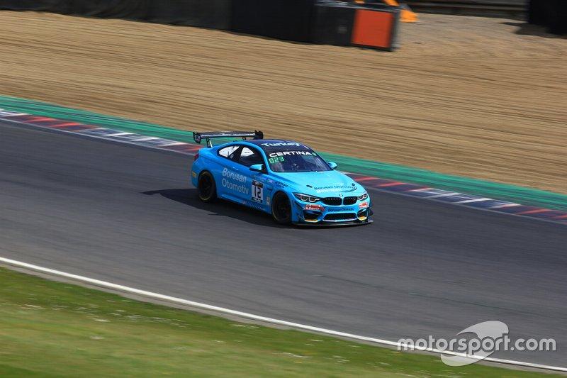 İbrahim Okyay, Levent Kocabıyık, BMW M3 GT4, Borusan Otomotiv Motorsport aracın arkasını kaybediyor