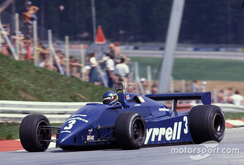Tyrrell 011, con motor Ford Cosworth (1981-1983)