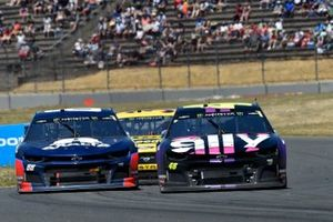 Alex Bowman, Hendrick Motorsports, Chevrolet Camaro Axalta and Jimmie Johnson, Hendrick Motorsports, Chevrolet Camaro Ally
